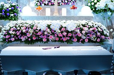 家族式 説明イメージ(棺桶と祭壇の図)